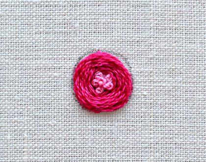 Rose mit Knötchenstichen sticken