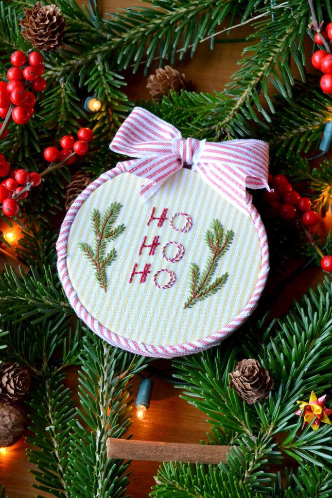 4 kostenlose Weihnachts-Stickanleitungen