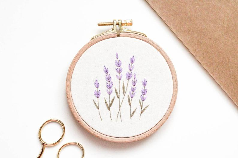 Lavendel Stickerei von Stickbienchen