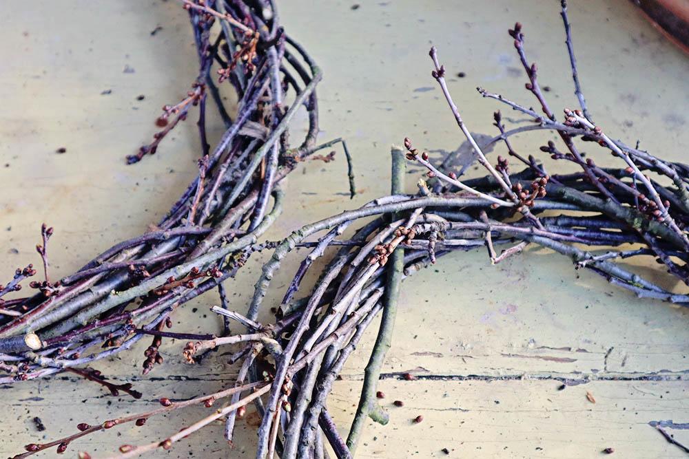 Kranz aus Zweigen selber machen aus Sauerkirsche
